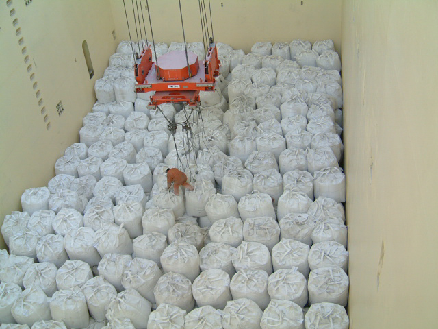 Loading big bags